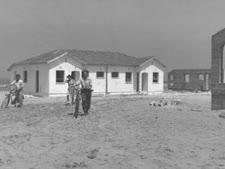 """תושבים ראשונים באשקלון [צילום: פריץ כהן/לע""""מ]"""