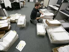 עובדים בשירות הציבורי [צילום: AP]