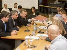נציגי הליכוד בוועדת הבחירות [צילום: פלאש 90]