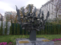 אנדרטת השואה בשולי כיכר החרות