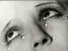 לנגב את הדמעות