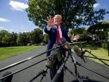 """טראמפ. """"אויבי הציבור"""" [צילום: אלכס ברנדון, AP]"""