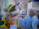 פורים בבית החולים שערי צדק [צילום: אוליביה פיטוסי/פלאש 90]