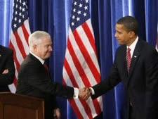 ברק אובמה עם רוברט גייטס [צילום: AP]