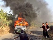 מכוניתו של צלם רויטרס לאחר הפגיעה [צילום: AP]