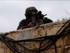 חיילים קרביים יורים לא רק ברובים [צילום: סלימן חאדר/פלאש 90]