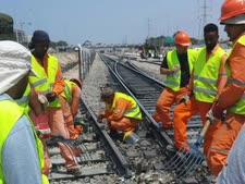 עבודות הרכבת בהרצליה. יימשכו גם בשבת [צילום: רכבת ישראל]