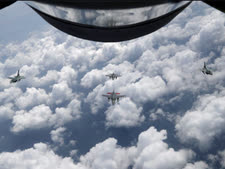 מבעד לחלון [צילום: וונג מיי-אי/AP]