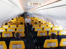 אין אלכוהול במטוס [צילום: שון פוגצ'ניק, AP]