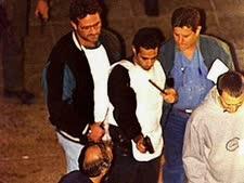 """יגאל עמיר משחזר את הרצח [צילום: נתי הרניק/לע""""מ]"""