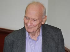 שמגר. בן 90 [צילום: איציק וולף]