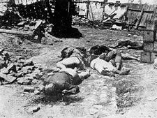 יהודים רומנים, שהובלו לטרנסניסטריה ובדרך נרצחו על ידי המלווים הרומנים בין בריזולה ובין גרוזדובקה