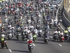 מחאת האופנוענים בנתיבי איילון ב-2013 [צילום: AP]