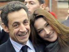 קרלה ברוני וניקולא סרקוזי בדצמבר [צילום: AP]