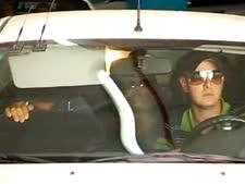 מרגלית צנעני ביציאה מבית המשפט [צילום: מן הטלוויזיה]