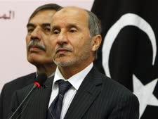 מוסטפא עבד אל-ג'ליל, יו''ר המועצה הלאומית הזמנית בלוב [צילום: AP]