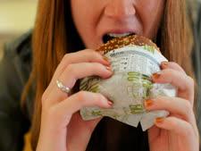 התזונה משפיעה עלינו [צילום: פלאש 90]