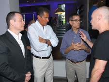 """משמאל לימין: יעקב אילון, ריצ'ארד פלפלר מנכ""""ל HBO, מייקל לומברדו נשיא HBO לענייני תוכן, ואבי ניר [צילום: רפי דלויה]"""