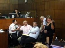 זקן (מימין) במשפט הולילנד. הגנה מן הצדק [צילום: פלאש 90]