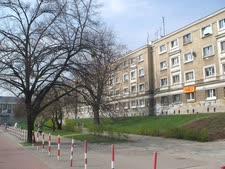 בתים על חורבות גטו ורשה