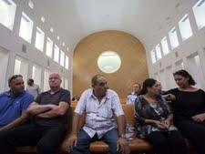 משפחות הנספים באסון הכרמל בבית המשפט העליון [צילום: פלאש 90]