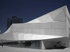 מוזיאון תל-אביב לאמנויות [צילום: עמית גדרון]