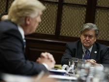 """""""כמעט לא נפגשנו בארבע עיניים"""". טראמפ ובאנון [צילום: איוואן ווצ'י/AP]"""