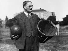 ג'יימס נייסמית', ממציא הכדורסל [צילום: מכללת ספרינגפילד]