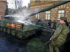 טנק T-72 [צילום: דמיטרי לובצקי/AP]
