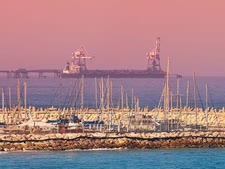 """נמל הנפט באשקלון [צילום: קצא""""א]"""