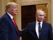 """רעיון משוגע"". דונלד טראמפ וולדימיר פוטין [צילום: פבלו מונסיביאס/AP]"