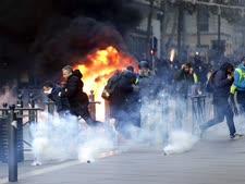 מהומות במרסיי בסוף השבוע [צילום: קלוד פריז, AP]