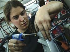 מייבאת כלי עבודה חשמליים [צילום אילוסטרציה: דבורה סיני, פלאש 90]