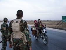 נאמני המשטר הסורי בצפון המדינה [צילום: בדרכן אחמד/AP]