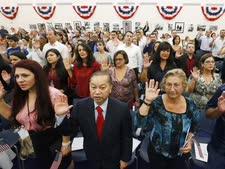 """טכס התאזרחות בארה""""ב [צילום: וילפרדו לי, AP]"""
