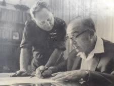 ראש הממשלה לוי אשכול ומזכירו הצבאי ישראל ליאור מתוך ספר הזיכרונות של ישראל ליאור
