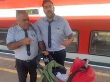 מנהלי תחנת חדרה עם התינוקת [צילום: רכבת ישראל]