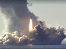 טיל מצוללת גרעינית רוסית [צילום: AP]