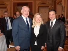 """נשיא אוקראינה ובני הזוג נתניהו [צילום: עמוס בן-גרשום/לע""""מ]"""