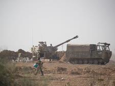 סוללת תותחים בגבול רצועת עזה [צילום: יונתן זינדל/פלאש 90]