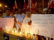 אבלים בסרי לנקה [צילום: פאריד חאן/AP]