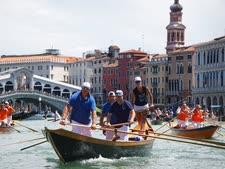 משט הצדעה לצוותי הרפואה, ונציה [צילום: AP]