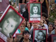 הפגנה ב-2018 של בני משפחות הילדים [צילום: יונתן זינדל/פלאש 90]