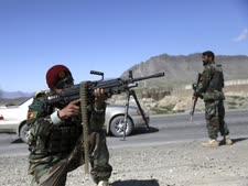 חיילים אפגנים מחוץ לקאבול [צילום: רחמוט גול, AP]