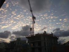 שירותי בנייה תמורת הקרקע