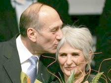 בני הזוג אולמרט. נחקרו [צילום: AP]