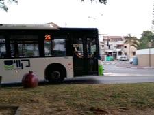 """נהג מסיע בשישי אחה""""צ אוטובוס כמעט ריק [אילוסטרציה]"""