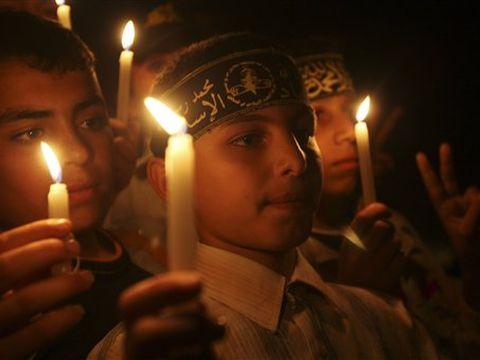 דור חדש של ג'יהאדיסטים [צילום: AP/Adel Hana]