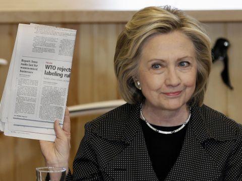 הילרי ר. קלינטון, מתמודדת באיווה, 19 במאי 2015 [צילום: AP/Charlie Neibergall]