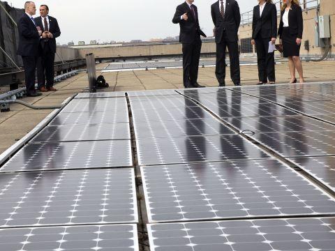 אחריות סביבתית [צילום: AP/Jacquelyn Martin]